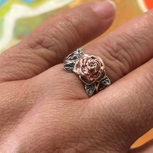 Rose Gold Flower Silver Toned Ring Size 6 NWT